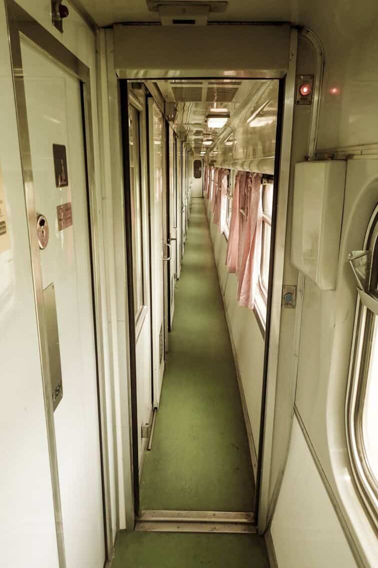 thailand-train-first-class-rooms