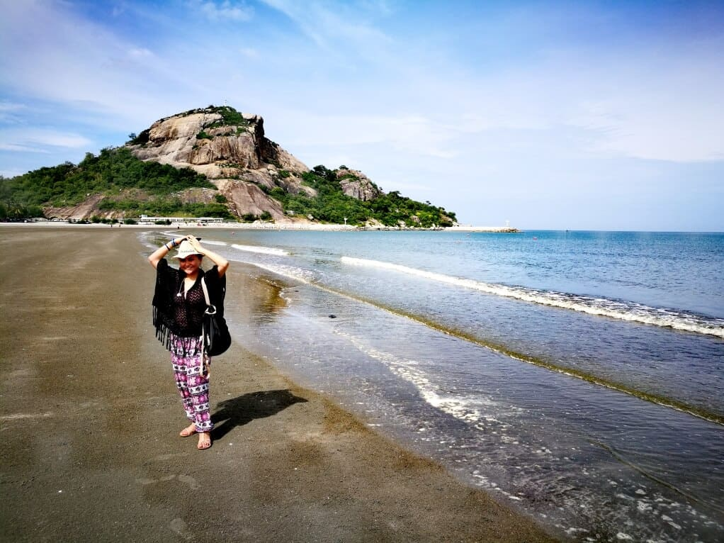 hua hin attractions - Khao Takiab Beach
