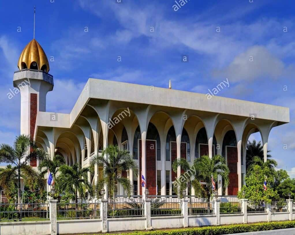 Central Mosque (Masjid Mambang)