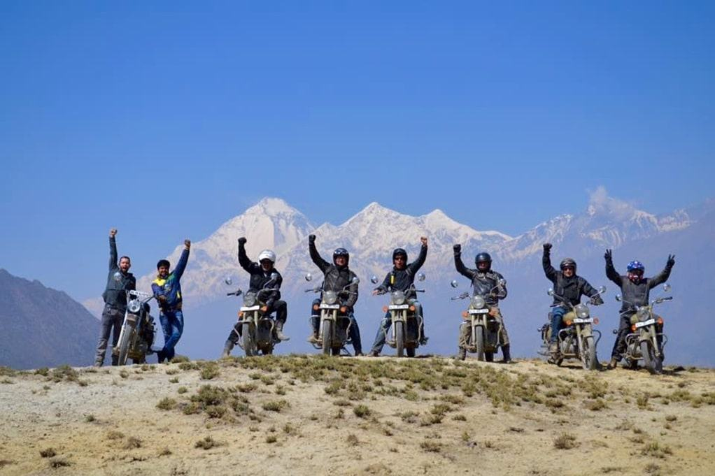 Riders Himalayan mountains