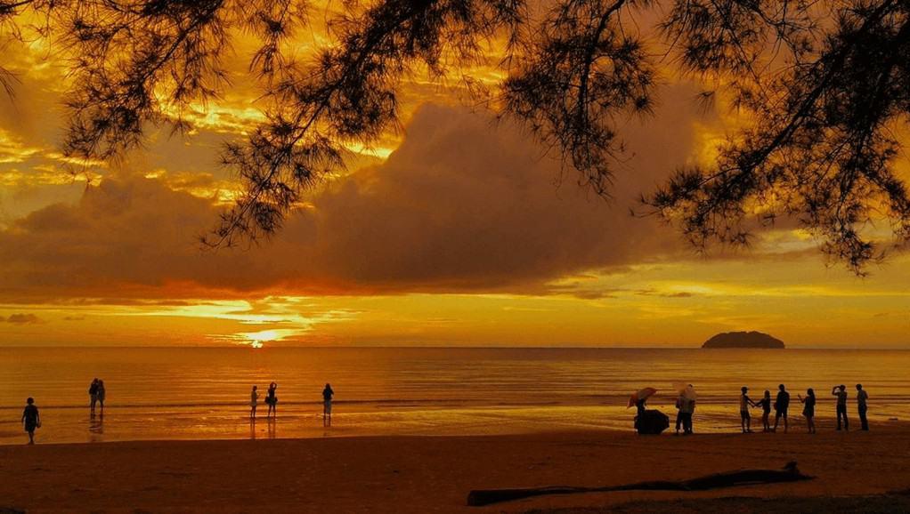 Tanjung Aru sunset view