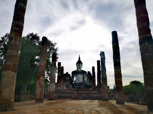 The Sukhothai Historical Park contains the ruins of old Sukhothai, the capital of the Sukhothai Kingdom that was founded in 1238.Dozens of well preserved and restored monuments dating back to the 13th until 15th centuries are found in a well maintained park like setting with lakes, ponds and trees. The park is much less visited than better known historical sites as Ayutthaya and Angkor.