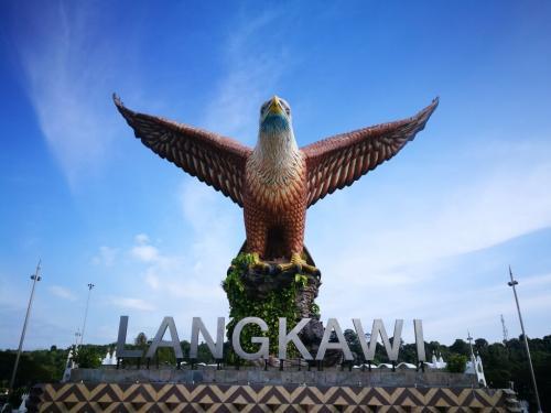 peninsular-malaysia-ride-langkawi-eagle