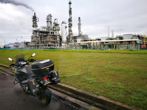 peninsular-malaysia-ride-oil-rig-kerteh